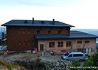 Podařilo se dokončit hrubou stavbu Bezručovy chaty na Lysé hoře