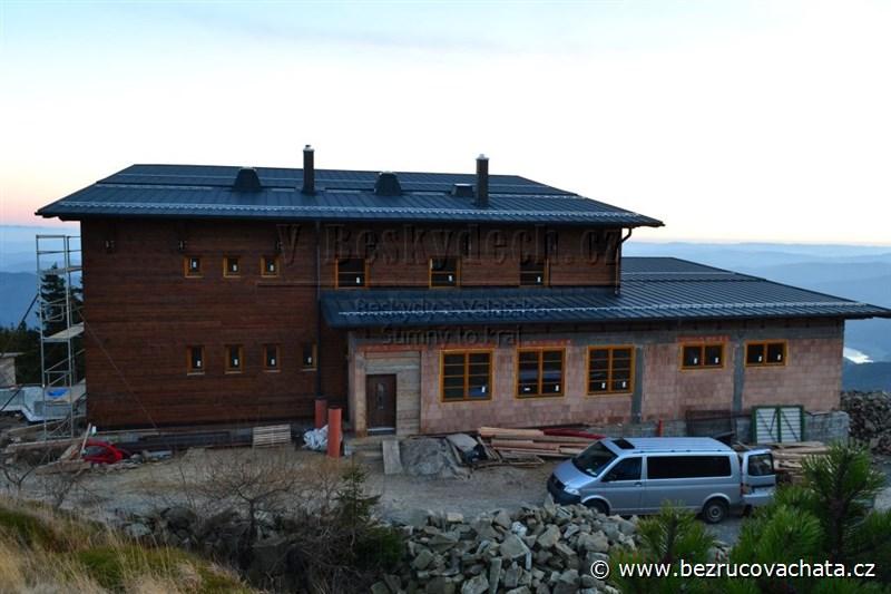 Bezručova chata na Lysé hoře - hotová hrubá stavba, 27.10.2013