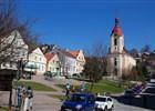 náměstí města Štramberk s kostelem sv. Jana Nepomuckého